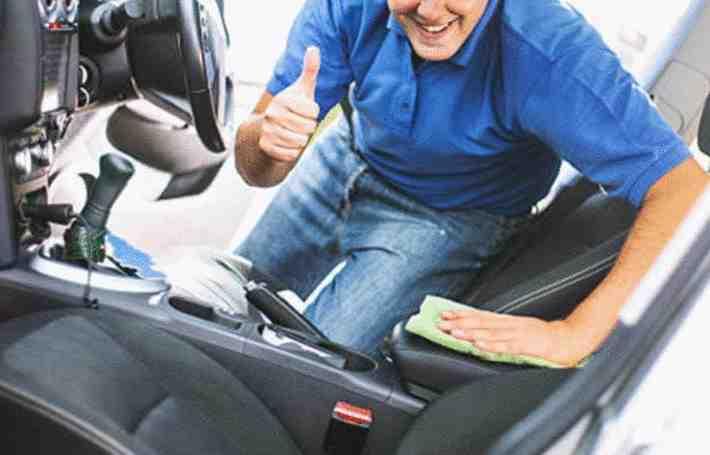Comment enlever tache cafe siège voiture ?