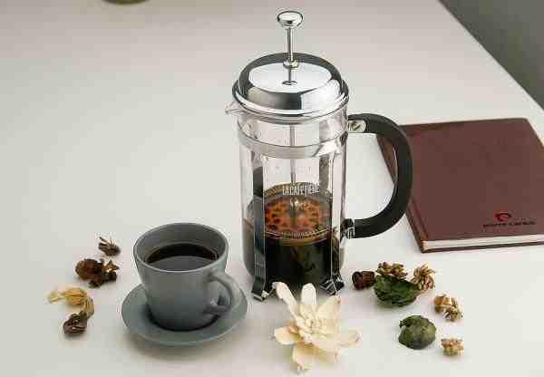 Comment faire du café dans la cafetière?
