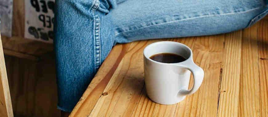 Comment faites-vous du café instantané?