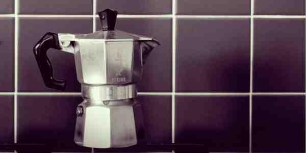 Comment fonctionne la cafetière à percolateur?