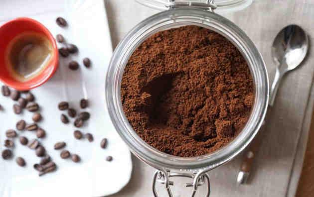 Comment moudre des grains de café sans moulin?