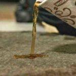Comment nettoyer un tapis avec une tache de café ?