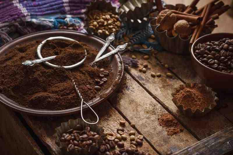 Le marc de café obstrue-t-il les tuyaux?