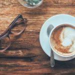Pourquoi le cafe nous tient-il eveilles ?