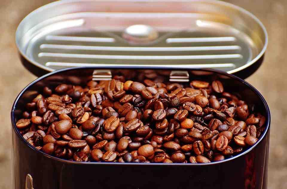 Pourquoi mettre du café au réfrigérateur?