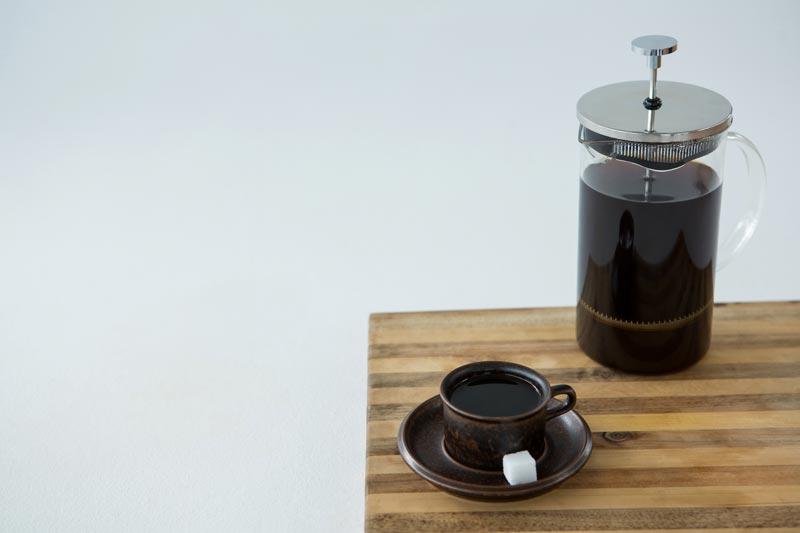 café noir avec sucre
