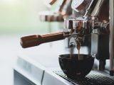 machine cafe en grains avec percolateur